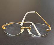 金縁メガネ